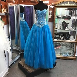 Fiesta Gown 56289 Peacock size 6